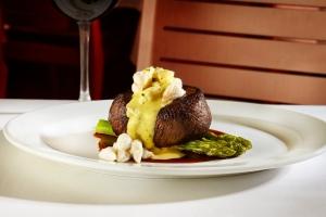 Filet Mignon Oscar Style